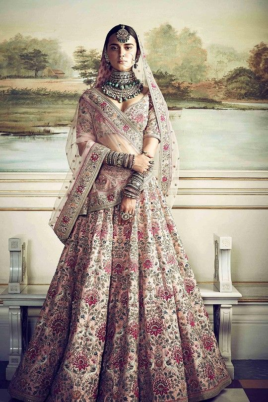 Pin by Shika Chand on THE FAIRYTALE ❤ | Pinterest | Sabyasachi ...