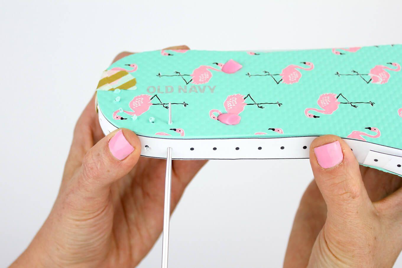 Make Cheap Flip Flops Into Crochet Slippers -- free pattern! | Botas ...