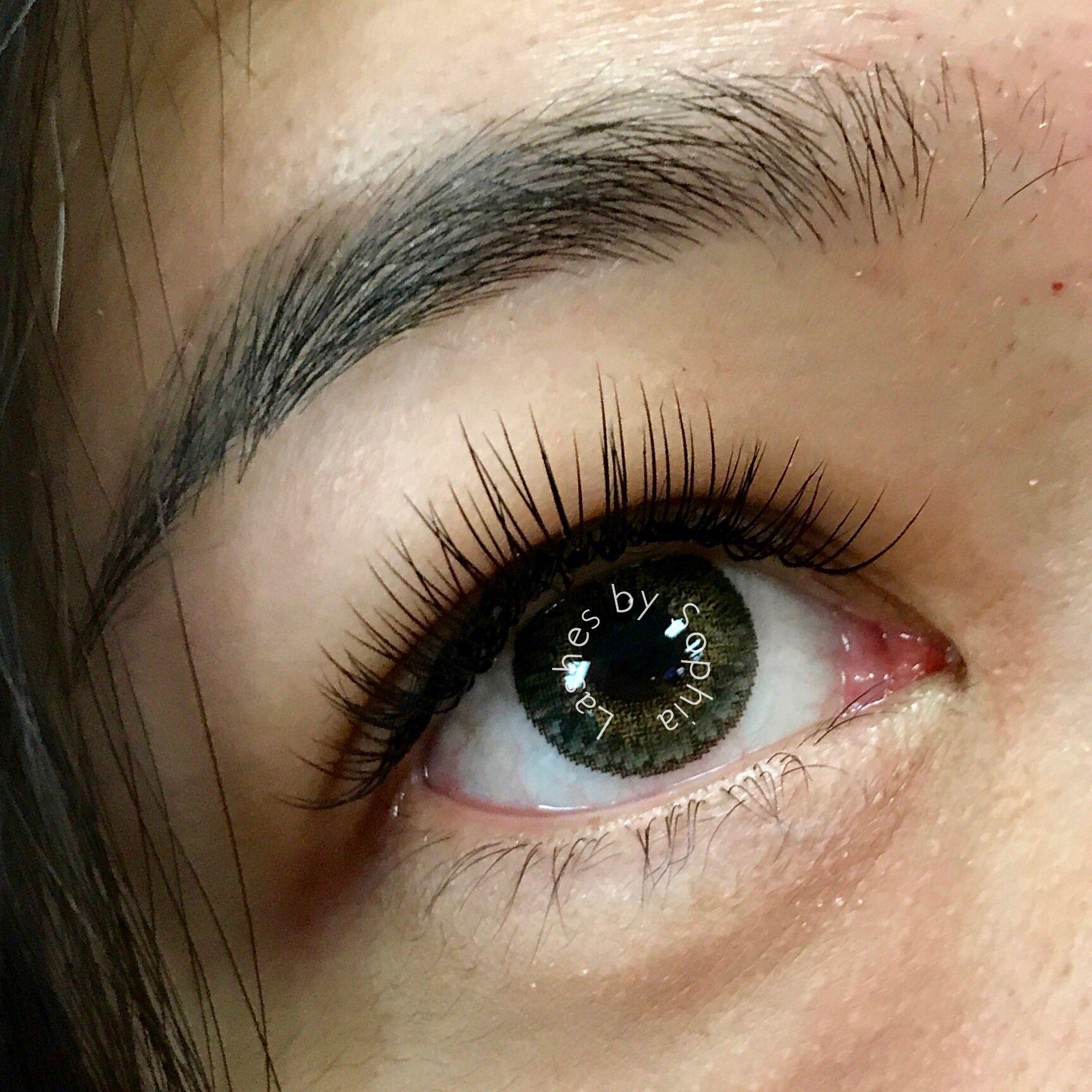 When Done Right Lashes Should Be Seen Even On Hooded Eyes Eyelashesextensions Hooded Eyes Lashes Best False Eyelashes