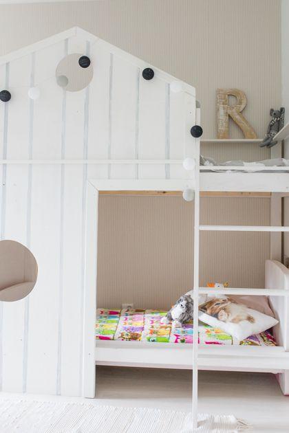 Olen aikaisemminkin näyttänyt teille kuvia Ruun huoneenihanasta majasängystä, jonka Jussi pyynnöstäni rakensi. Ajattelin tehdä siitä uuden po…