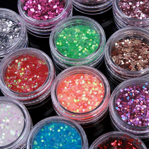 #ArtedeUñas #Paillette #Multicolor Brillan todo el momento, todos los colores traen un montón de combinación por elegir. ¡Déja volar tu imaginación!