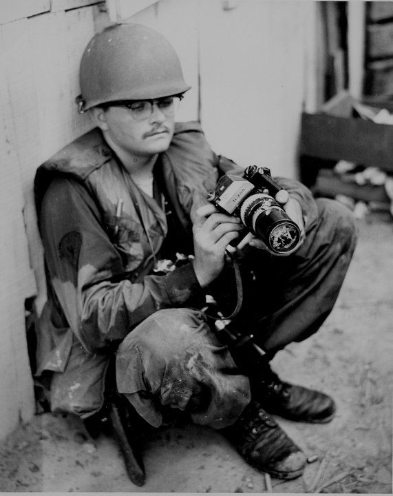 A War In Photographs With Images Vietnam War Photos War Photography Vietnam War