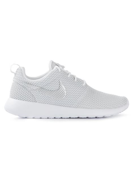 119c65b601f7 Shop Nike  Roshe Run  trainers in Voo Store from the world s best  independent boutiques at farfetch.com. Over 1000 designers from 300  boutiques in one ...