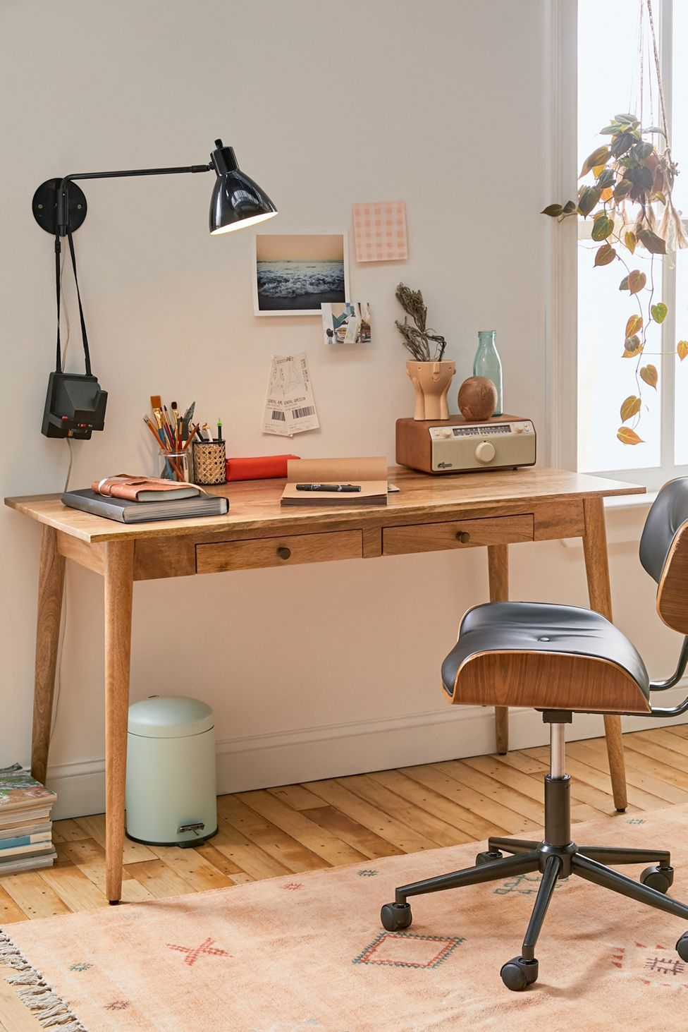 Amelia Desk | Urban Outfitters