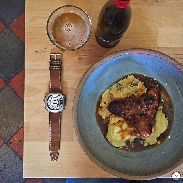 Proper British bangers & mash from our favourite place to lunch, Matt's Deli  Di Model Nevada fitted to a #SevenFriday
