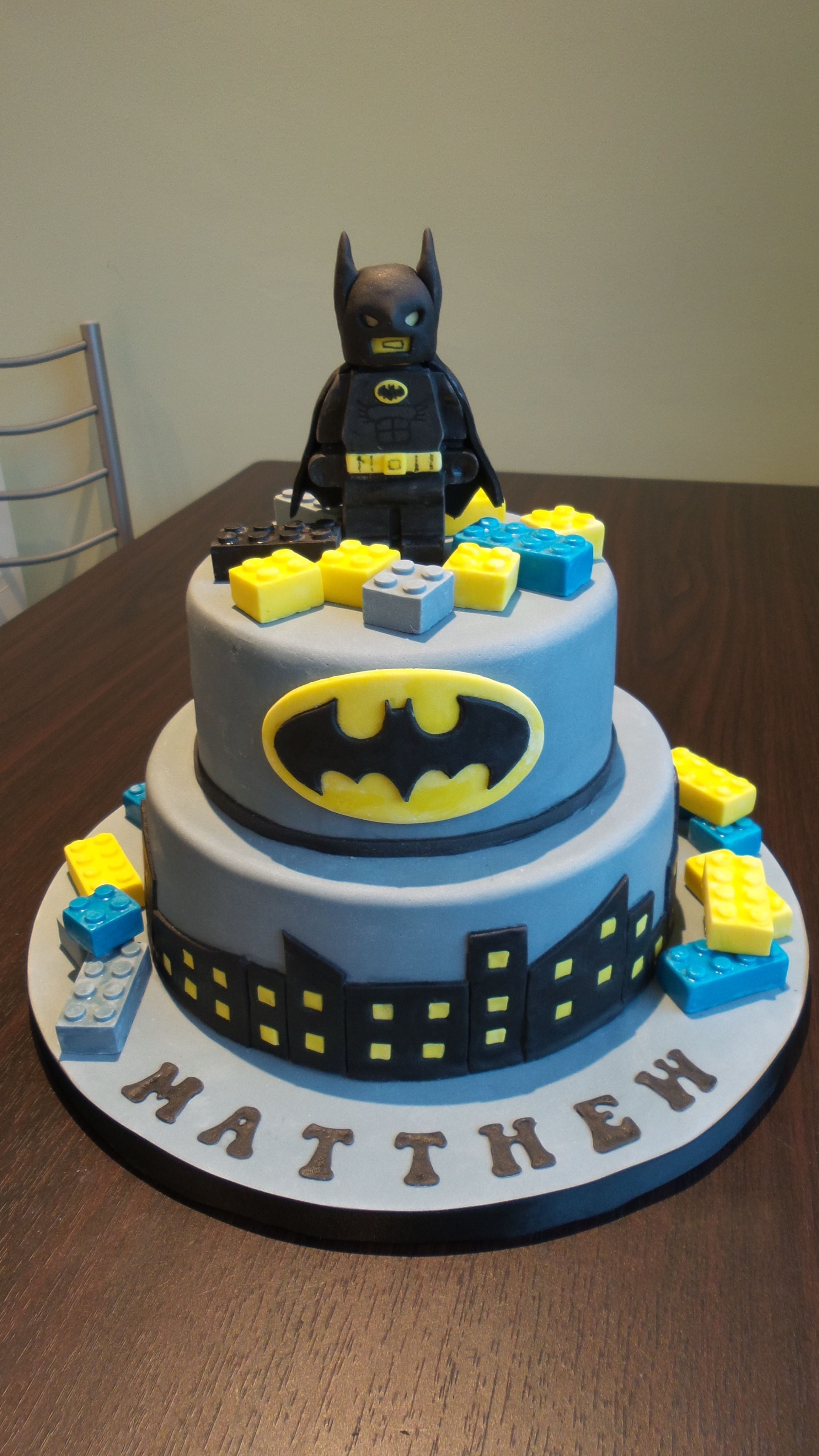 Incredible Lego Batman Cake Batman Birthday Cakes Batman Cakes Lego Personalised Birthday Cards Veneteletsinfo