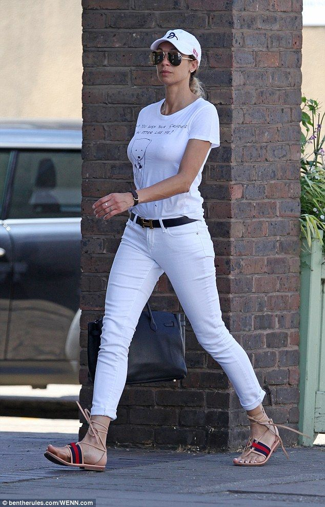 Boris Becker S Wife Lilly Is A Vision In White Street Style
