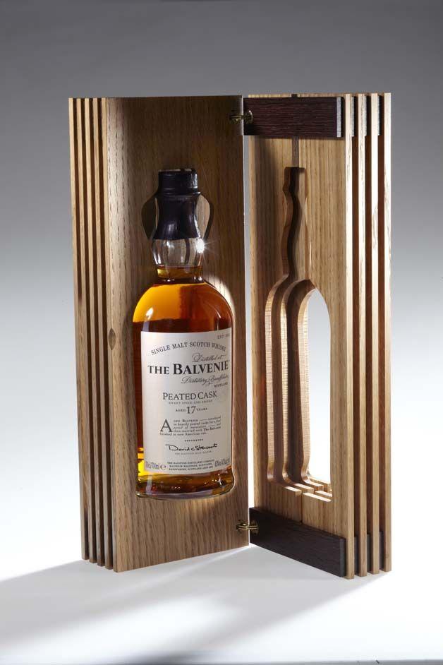 The Balvenie Peated Cask 17 Ans Eclat De Lumière Whisky Packaging Balvenie Whisky Bottle Display
