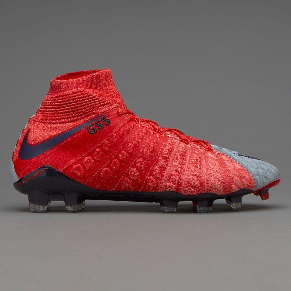 detailed look 07a61 a7186 Nike hypervenom phantom rojas y grises diseñadas para mujer.