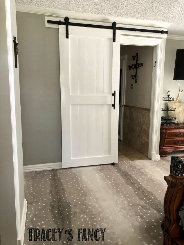 Welcome to my bedroom…..I never knew I'd invite so many people into our private space….but our projects get me so fired up….that I can't NOT share them with you!This week's project…..our new DIY sliding barn door! As in…..bye-bye-non-descript-always-annoying pocket door!