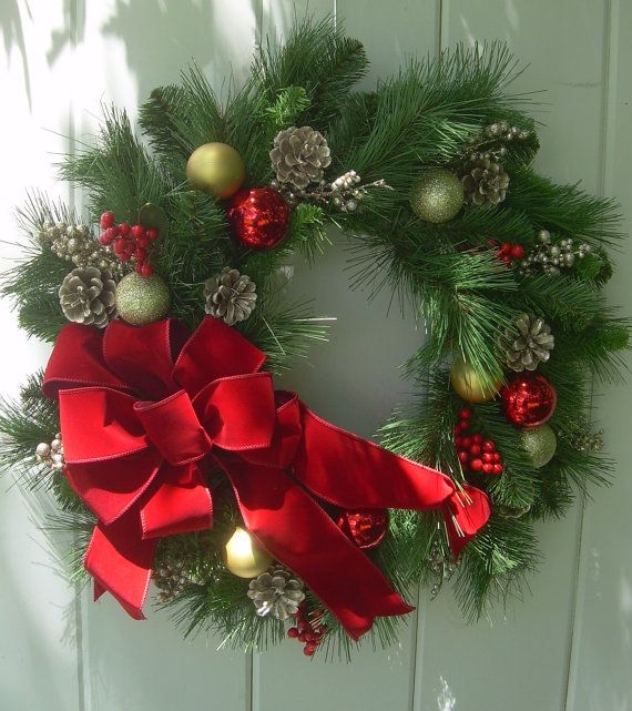 Christmas+wreath+Traditional+holiday+wreath+by+DoorDecorShop