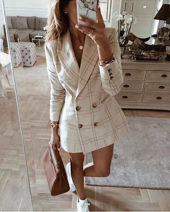 I've falled in love with blazer styles this season! This style is different and so cute!  #fall #plaid #blazer #dress #trend #trends #style #fashion #nyfw