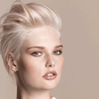 nordic blond // Nordisches Blond im Spektrum von Silber bis zu changierendem Platin.