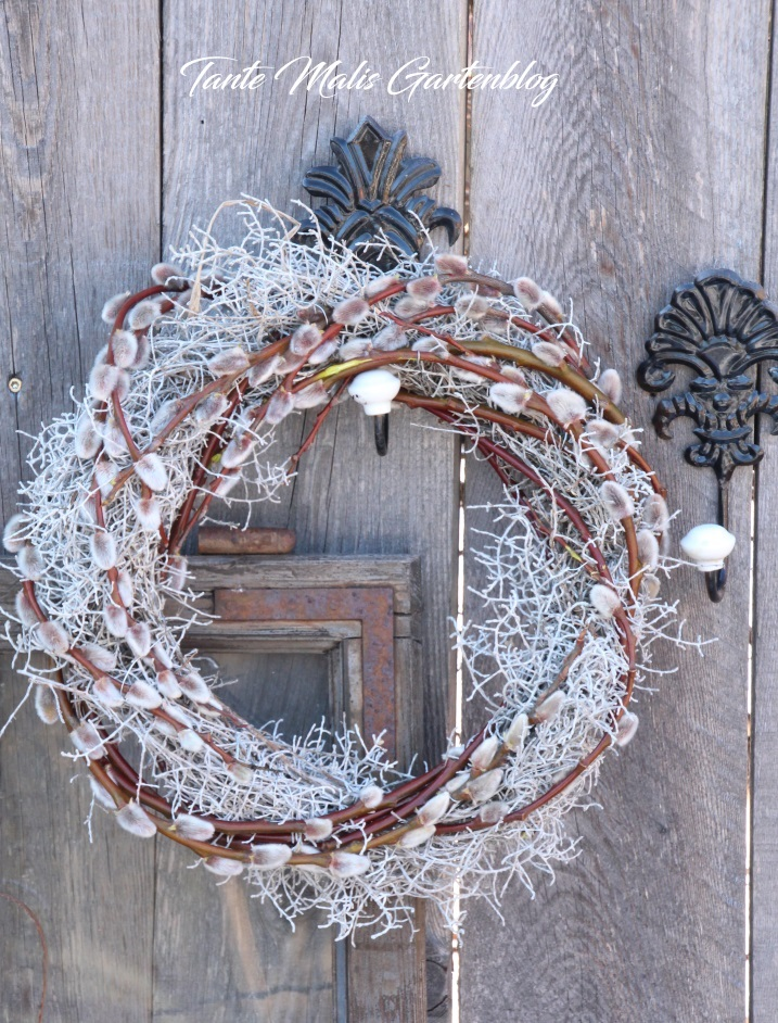 Photo of # Spring wreath of barbed wire flower and willow
