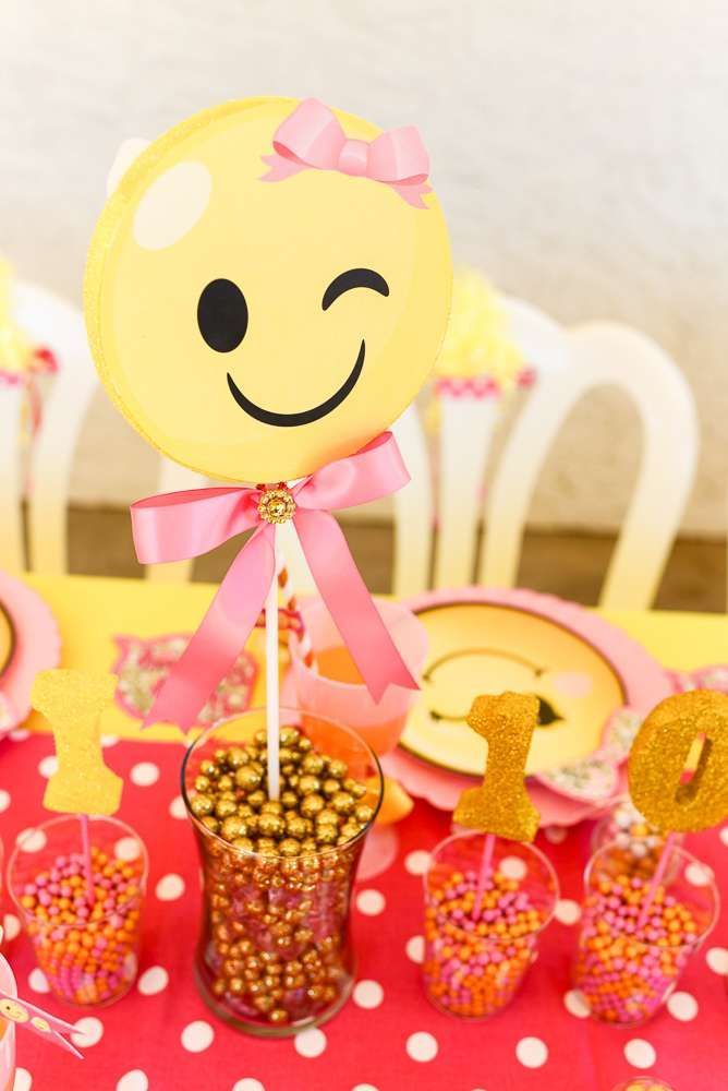 What A Cool Emoji Centerpiece Love The Ribbons See More Party Ideas And Share Yours At CatchMyParty