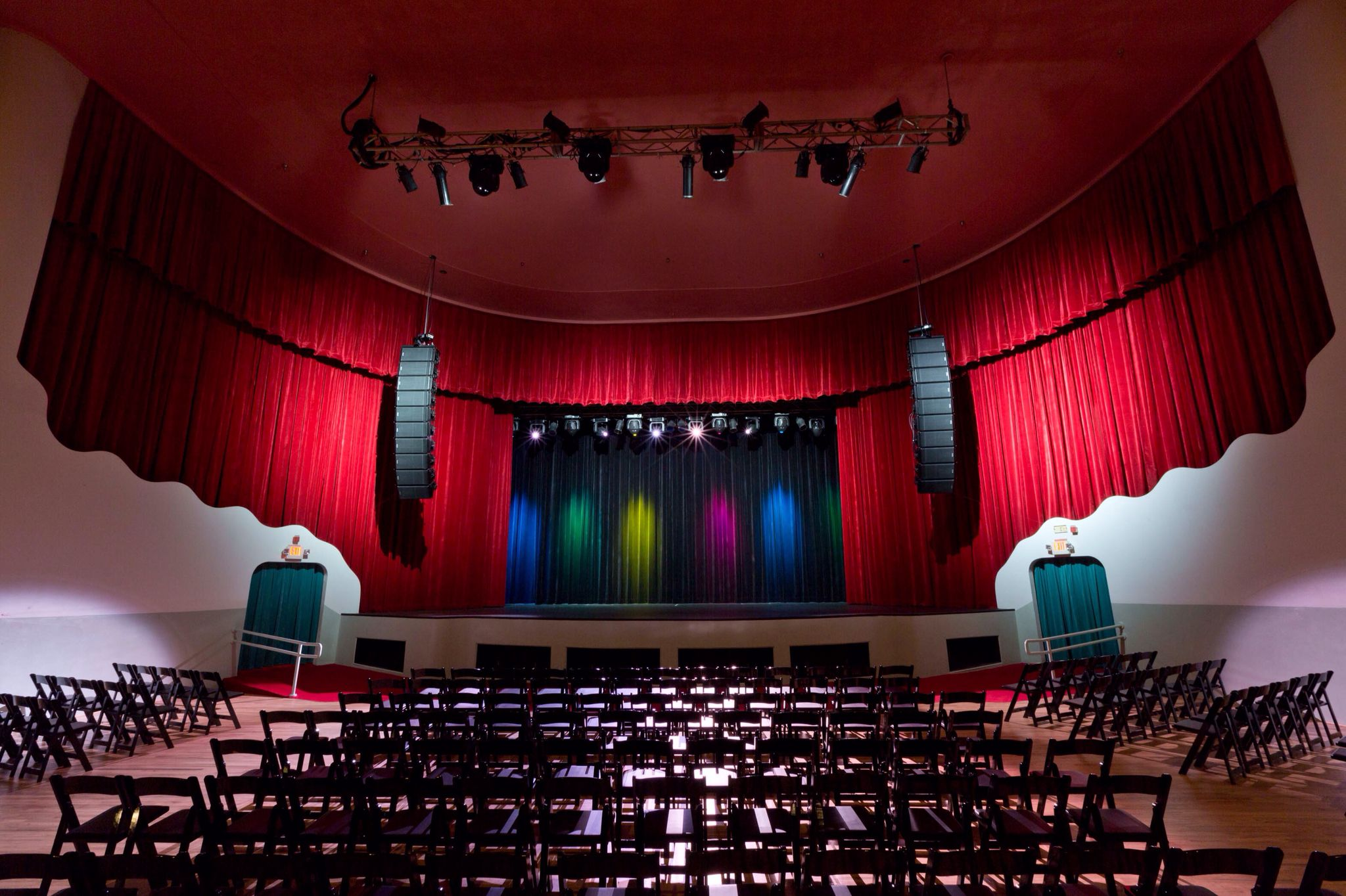 Ridglea Theater e of many seat ups
