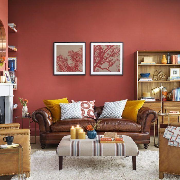 peinture rouge sur le mur dans un salon, moderne aux accents ...
