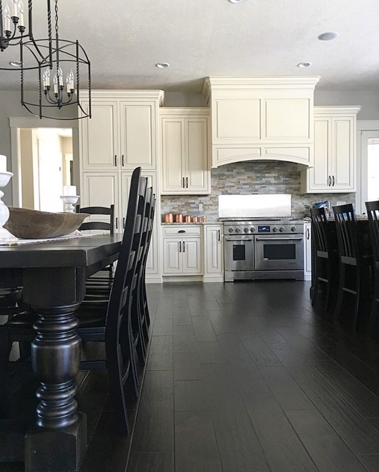 black and white modern farmhouse kitchen with lantern chandeliers and farmhouse table see on farmhouse kitchen black and white id=47168