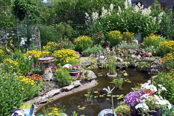 schnen gartenteich anlegen gestalten sie einen wassergarten schnen gartenteich anlegen gestalten bunt pflanzen - Gartenteich Ideen