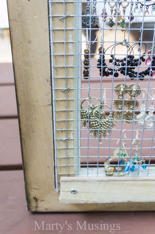 Repurposed Frame and Chicken Wire to Earring Organizer   Pinterest ...