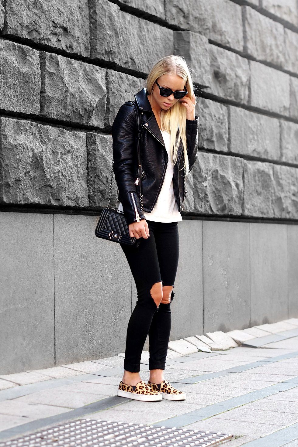 Victoria Tornegren  How to Look Chic and Cool On a Budget in 2019 ... b283f4919994