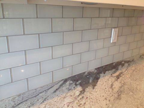 Best White Glass Tile Grey Grout Google Search Grey Glass 400 x 300