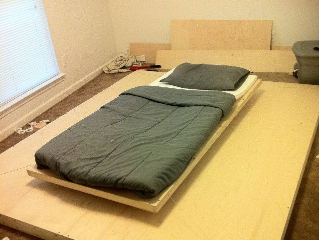 Lovely Floating Magnetic Bed