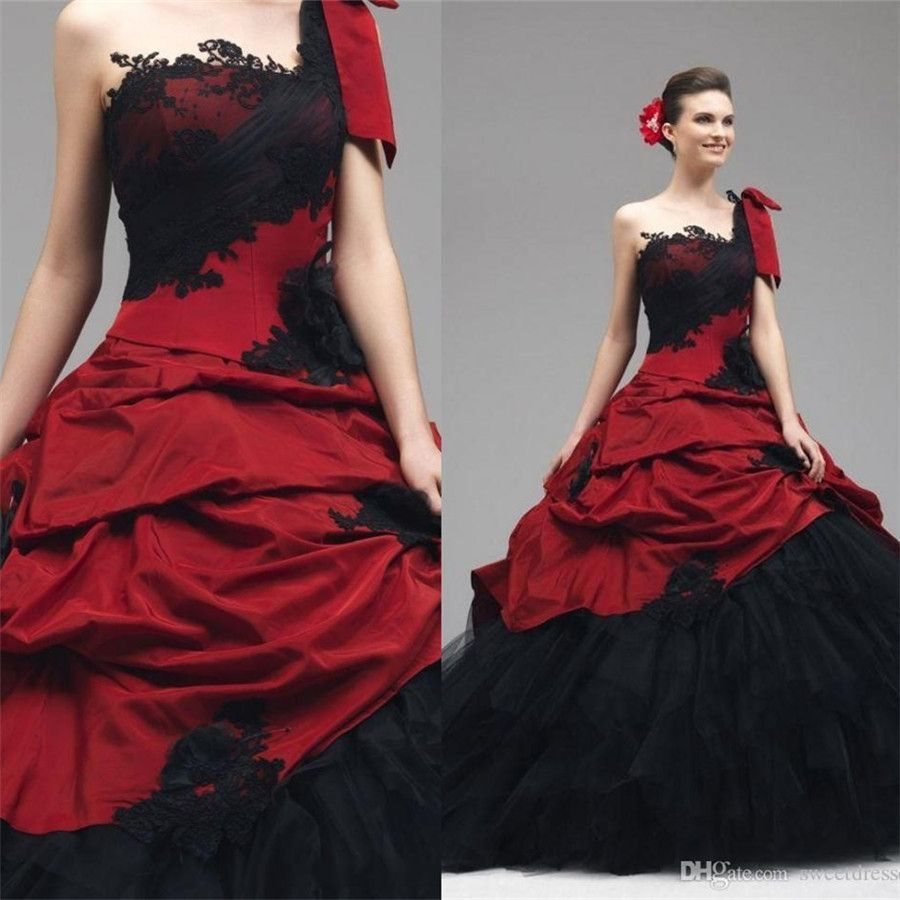 72d1f03d4d Medieval Style Wedding Dress | weddings | Black wedding gowns ...