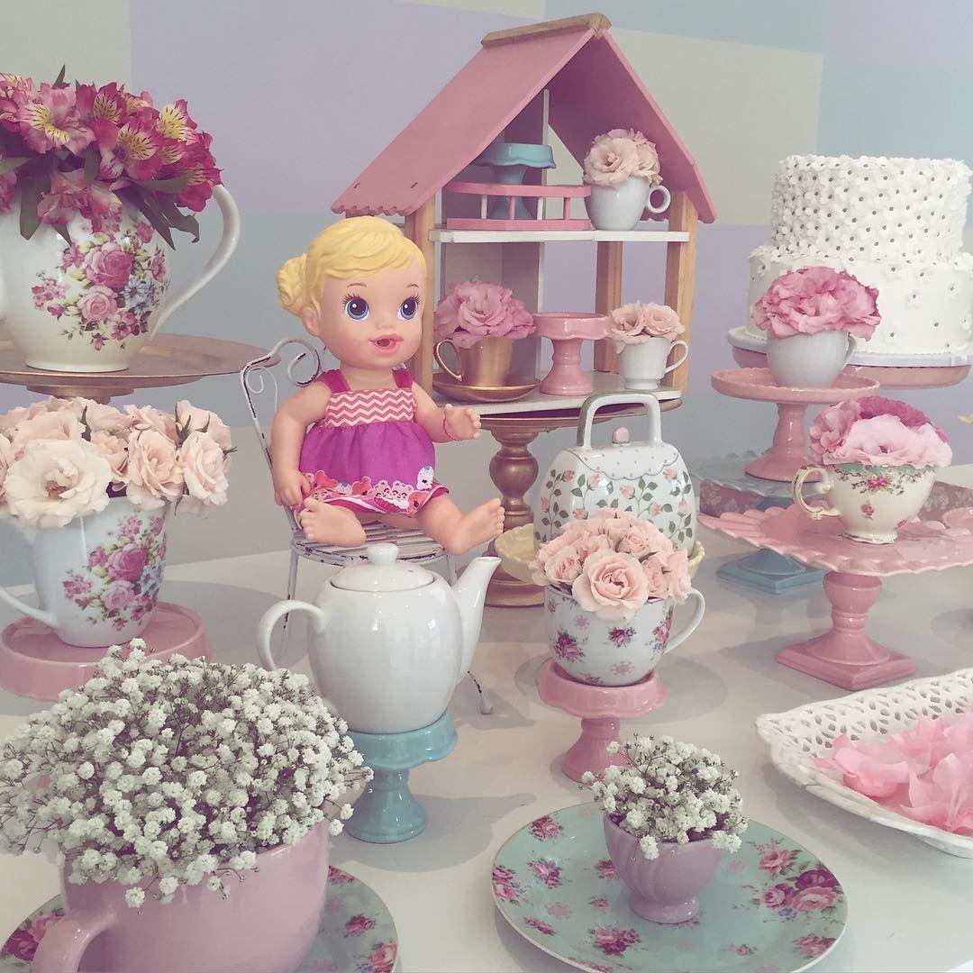 Chá de bonecas para a pequena Aninha!!! Bolinhas, jogo de chá, casinha e muito rosa foi o pedido dela! Adoro essa turminha!! 💗