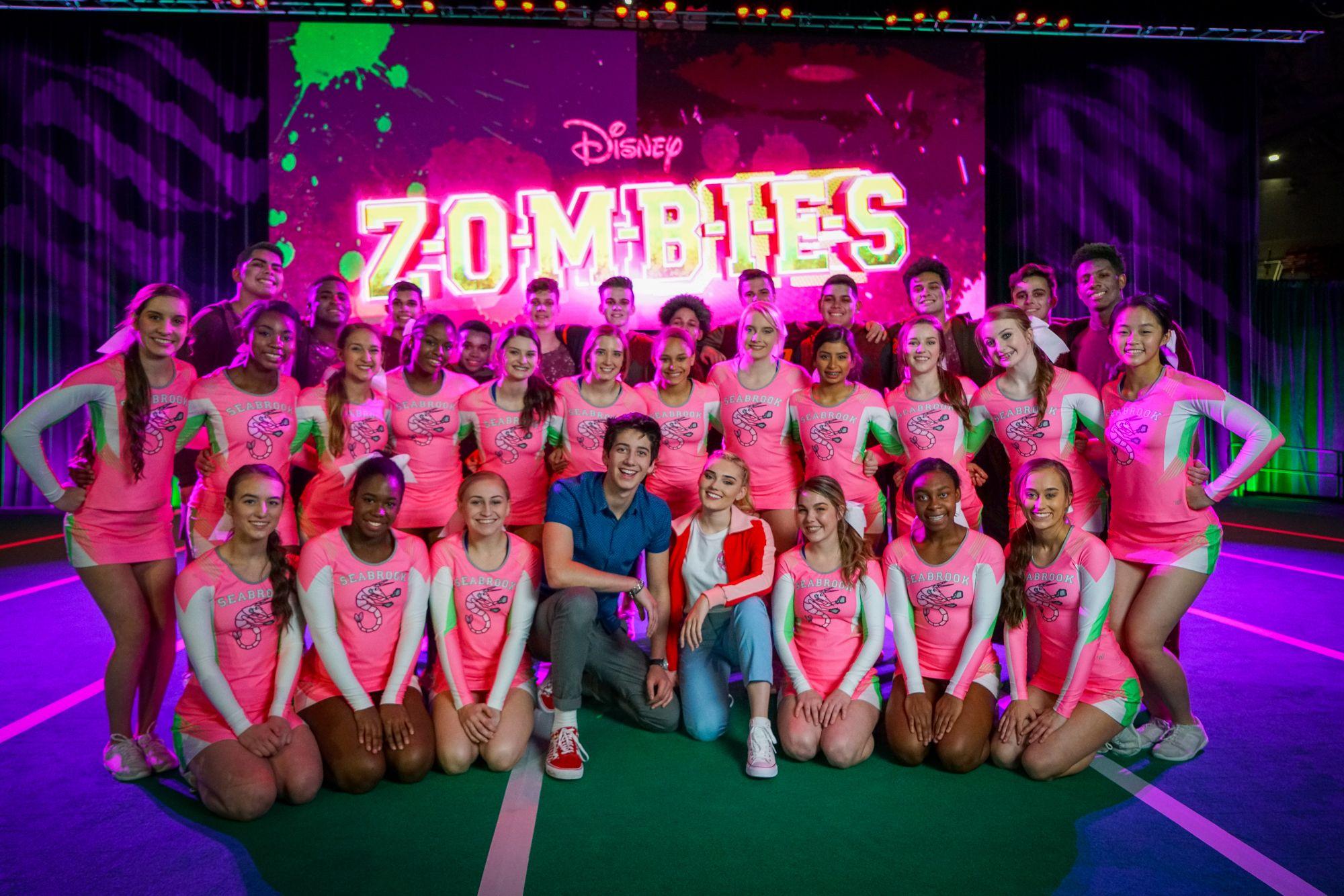 Resultado De Imagen Para Imagenes De Zombies De Disney Channel Zombie Disney Zombie Zombie Movies