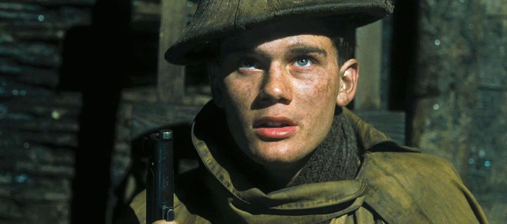 Young actor Jeremy Irvine stars in Steven Spielberg's War Horse ...