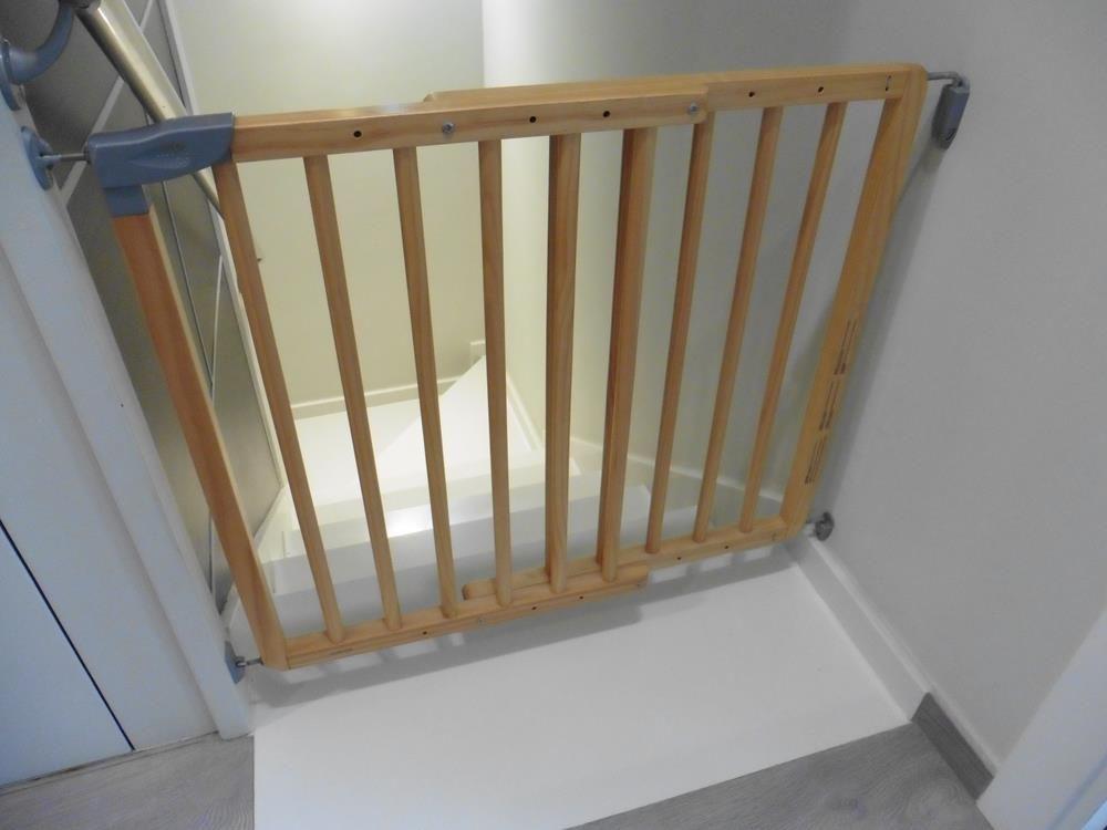 1d98ca070195 16,00€ · Barreras de escaleras · Barreras de escaleras de madera. Se ...