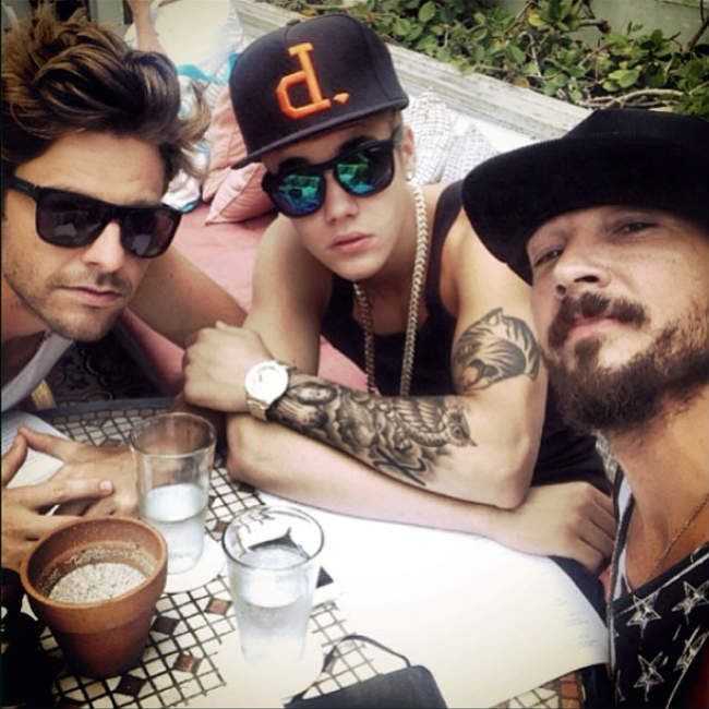 Or How About The One With Pastor Carl Lentz Hillsong Church Nyc With The Biebs Discussing Our Savio Justin Bieber Photos I Love Justin Bieber Justin Bieber