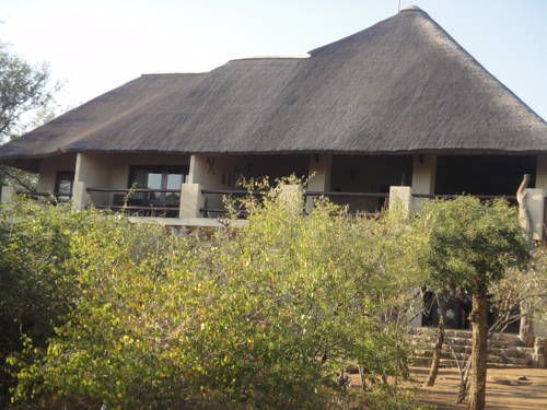 Bushwise Safari Lodge Marloth Park Bushwise Safari Lodge offers accommodation on the banks of the Crocodile River overlooking the Kruger National Park. It offers a swimming pool, tour desk and sun terrace.