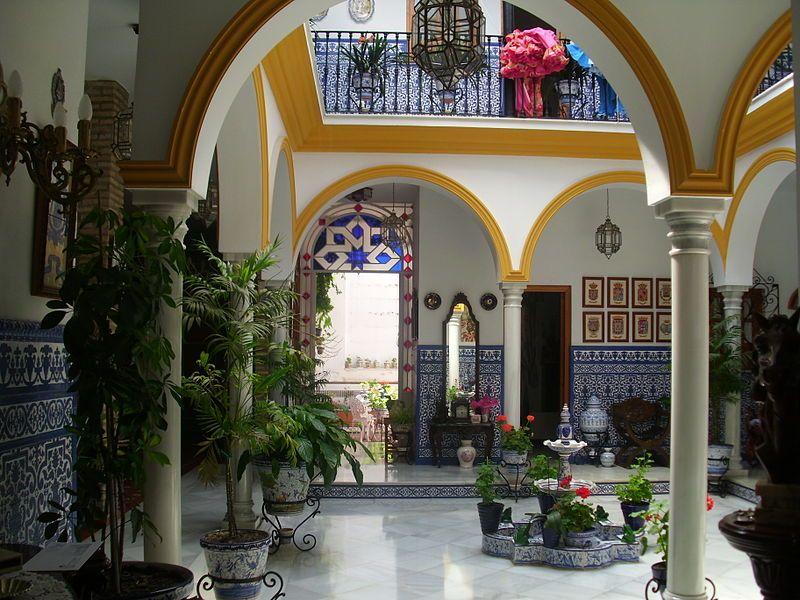 File Patio De Una Casa Sevilla Jpg Wikimedia Commons Patios Sevillanos Casas De Campo Sevilla España