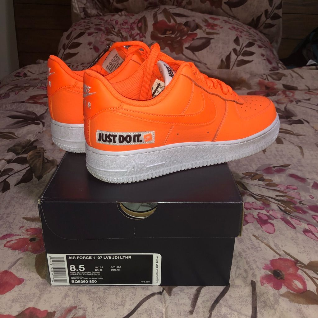 Nike Air Force 1 '07 in total orange