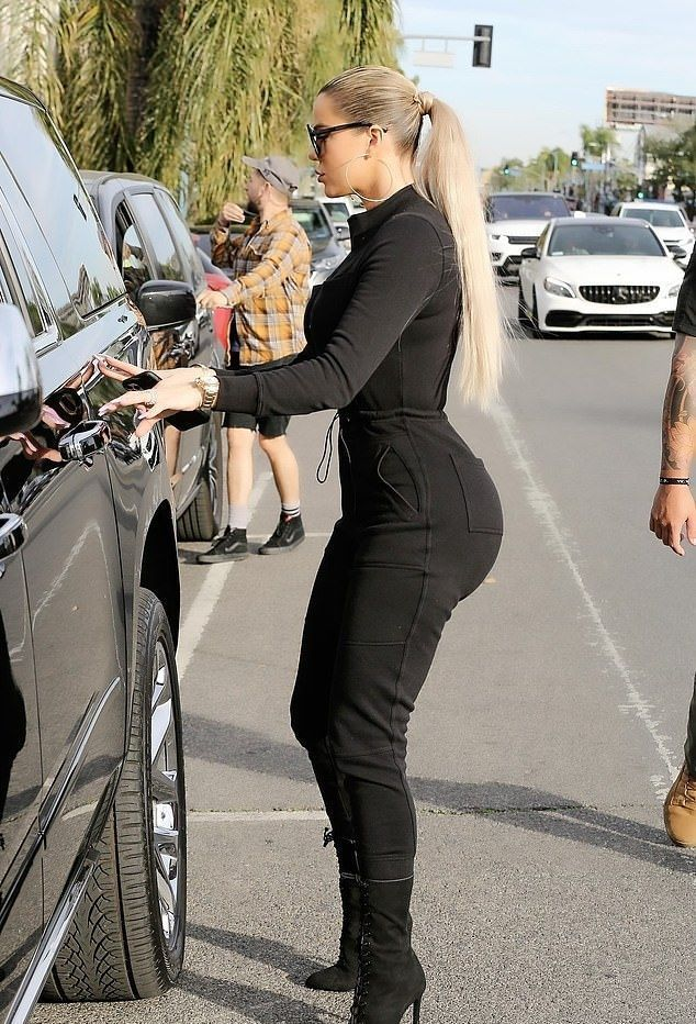 Khloe Kardashian Black Boots Street Style Autumn Winter 2020 on SASSY DAILY