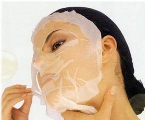 una maschera viso all'albume e miele - Maschera viso..