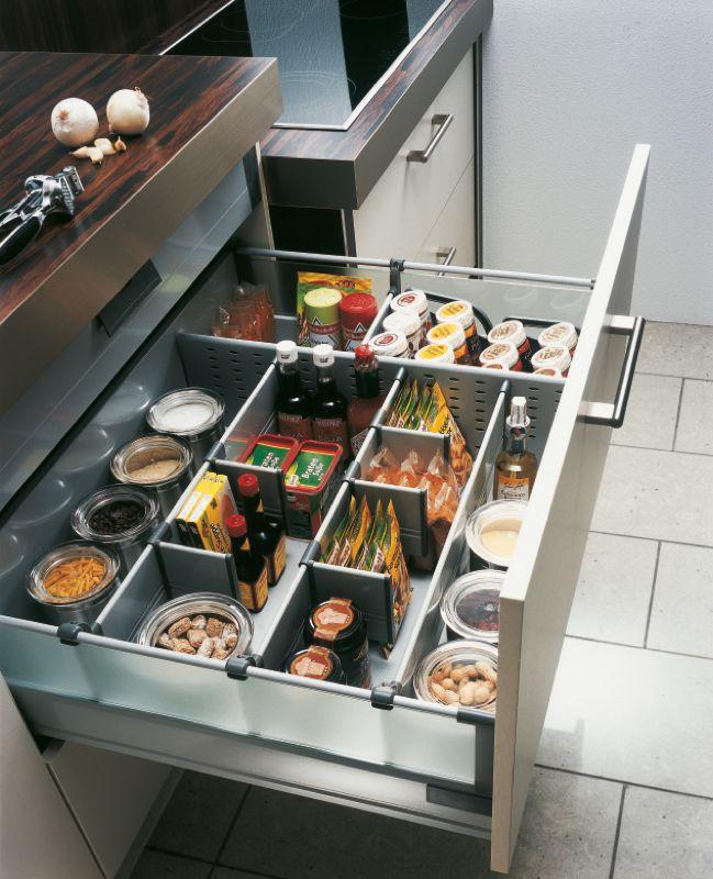 Coulissant Cuisine Rangement Casserolles Jpg 649 800 Kitchen Inspirations New Kitchen Designs Interior Design Kitchen