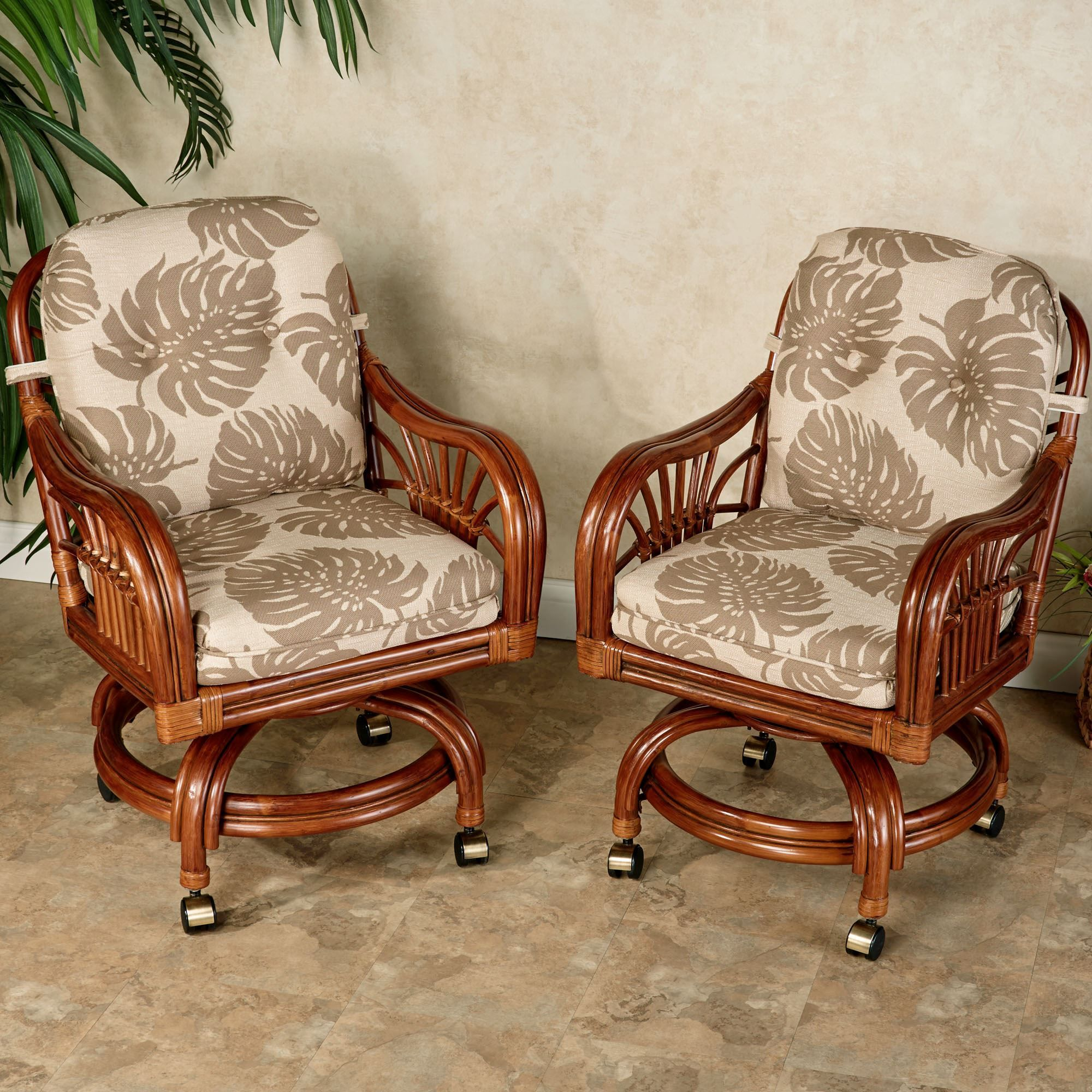 Leikela Rattan Tropical Dining Furniture Set Dining