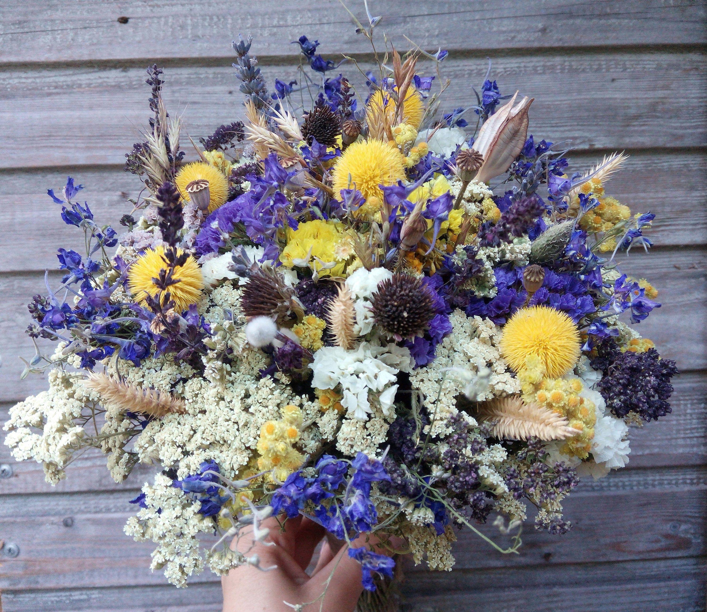 Mazzo Di Fiori Secchi.Bouquet Di Fiori Secchi In Blu Brillante Giallo Bianco Boho Image