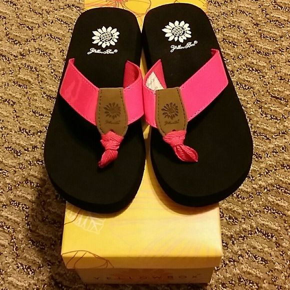 f850a90bf8b7 Girl s Yellow Box Flip-Flops Neon pink in color