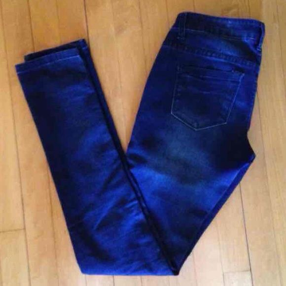 Delia's Jeggings Size 3 Dark blue denim colored Jeggings from Delia's, brand is celebrity pink, size 3. Inseam is 32in. Waist is 28in. Celebrity Pink Jeans Skinny