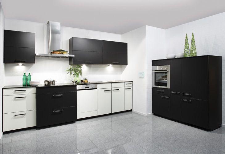 Schwarze Küche von Nobilia   black kitchen by Nobilia Kitchens - nobilia küchenfronten farben
