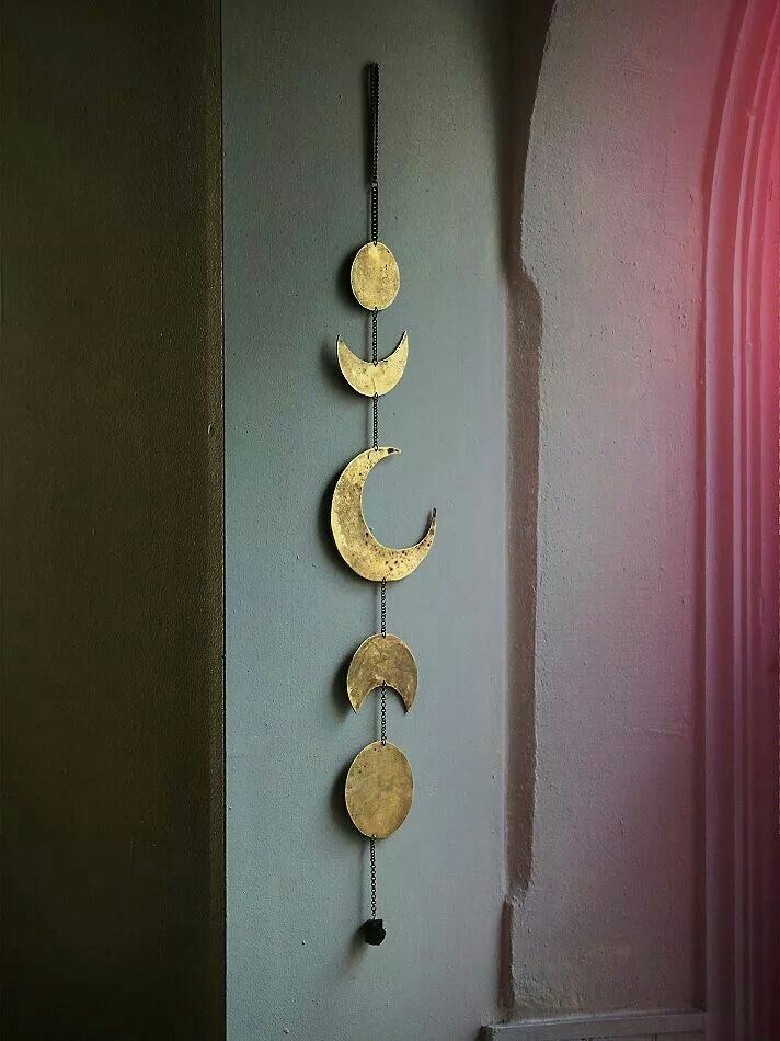 Moon charms! I think I'm  obsessed  //Adib  Yup! Celestial elements! Omg this reminds me so much of Maliah and her love for stuff like these hahahaha