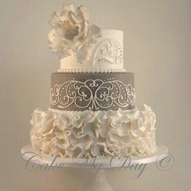 Gorgeous cake by Cake My Day!