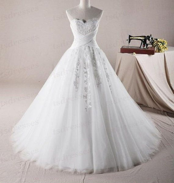 2014 Ivory /White wedding dress, A Line Sweetheart  Organza With Applique And Beaded