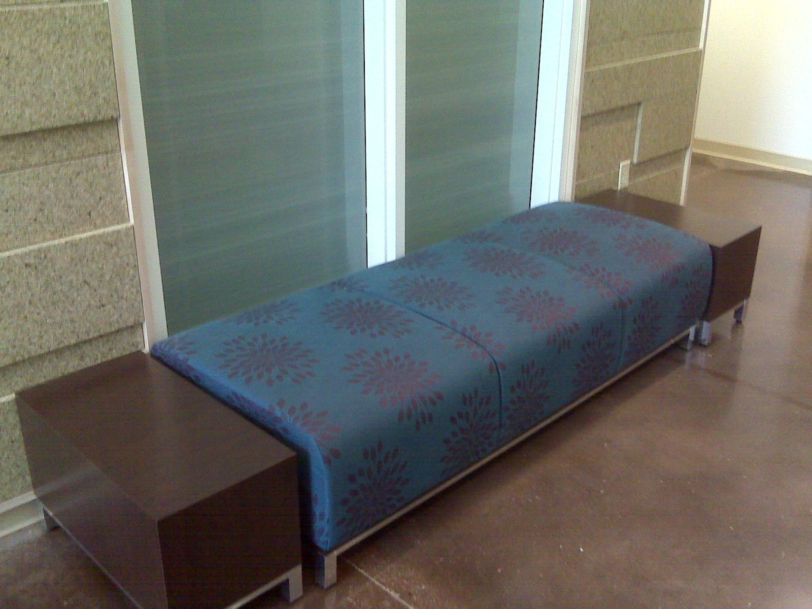 East Texas Medical Center (Pittsburg, TX) Swift Lounge Bench With Swift  Occasional Tables