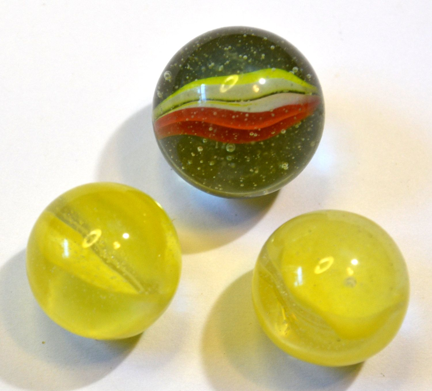 3 vintage cats eye glass shooter marbles 2 yellow 22mm glass 3 vintage cats eye glass shooter marbles 2 yellow 22mm glass marbles 1 25mm greenorange glass marbles round glass marbles reviewsmspy