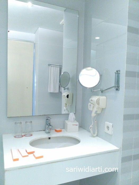 kamar mandi hotel everbright